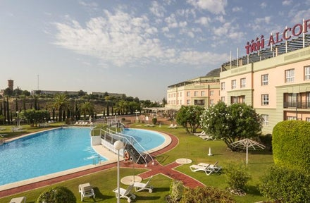 TRH Alcora Business & Congress Hotel