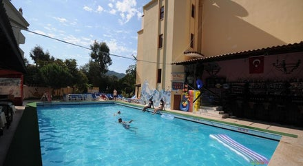 Grand Villa Sol Hotel and Apartments