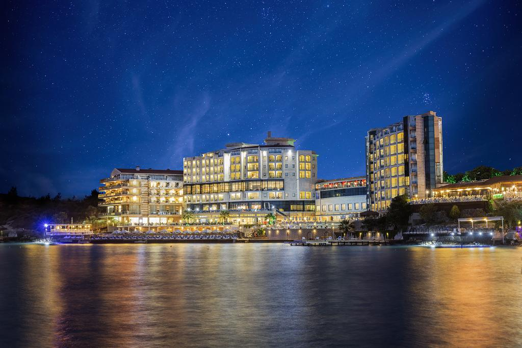 Charisma Deluxe Hotel