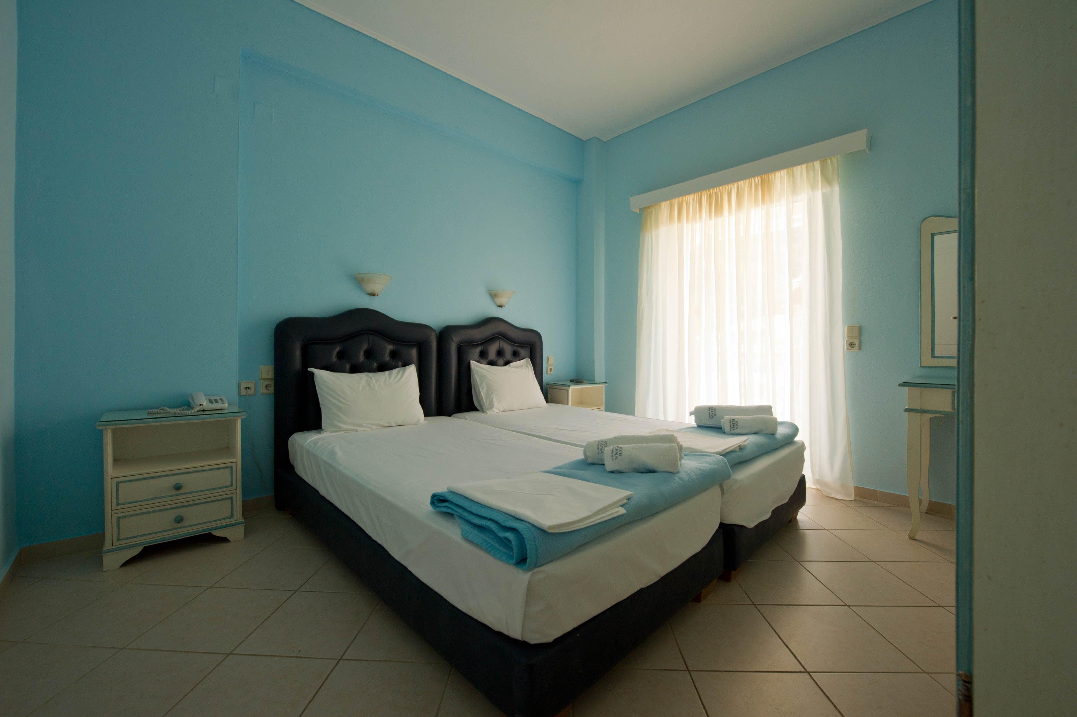 Elena Hotel & Apartments