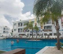 Tsokkos Holiday Apartments