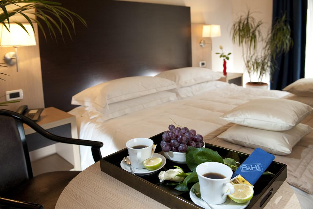 C-Hotels Club House