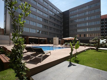 Villa Olimpic@ Suites Hotel and Spa