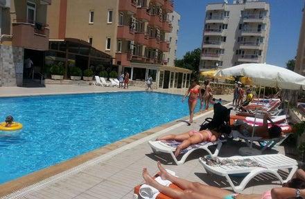 Lara Hadrianus Hotel
