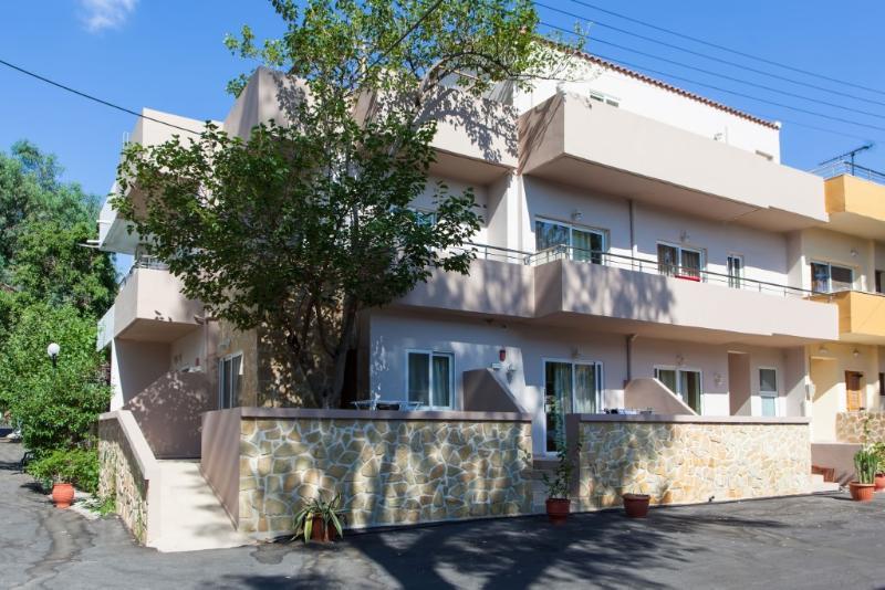 Apartments Zorbas