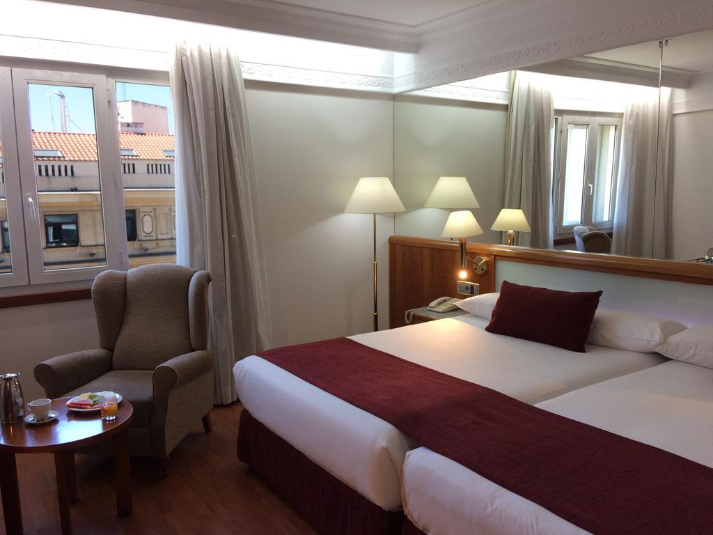 Senator Gran Via Spa Hotel