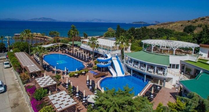 Golden Beach Deluxe Hotel - All Inclusive