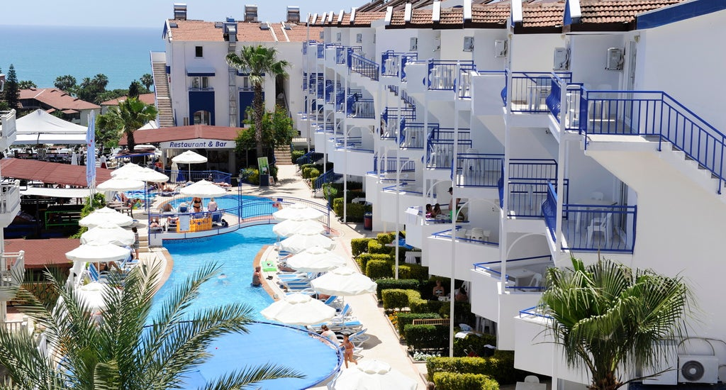 Joker Side Hill Suite Hotel