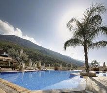 Morina Deluxe Hotel & Suites