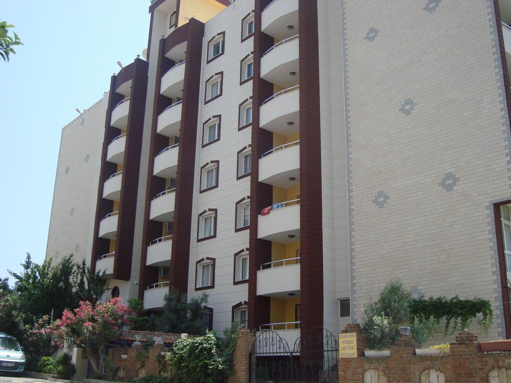 Golden Moon Apartments
