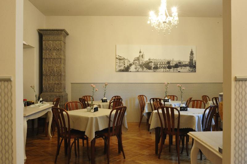 Kosmopolita Guest Rooms