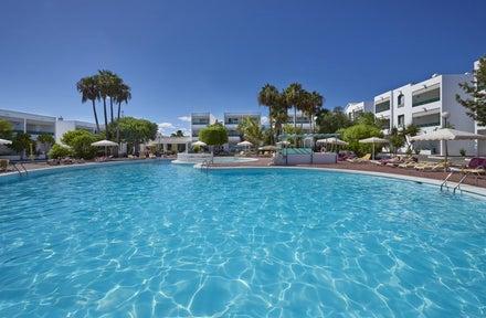 Cheap Lanzarote couples holidays