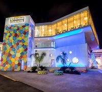 Nicholas Color Hotel