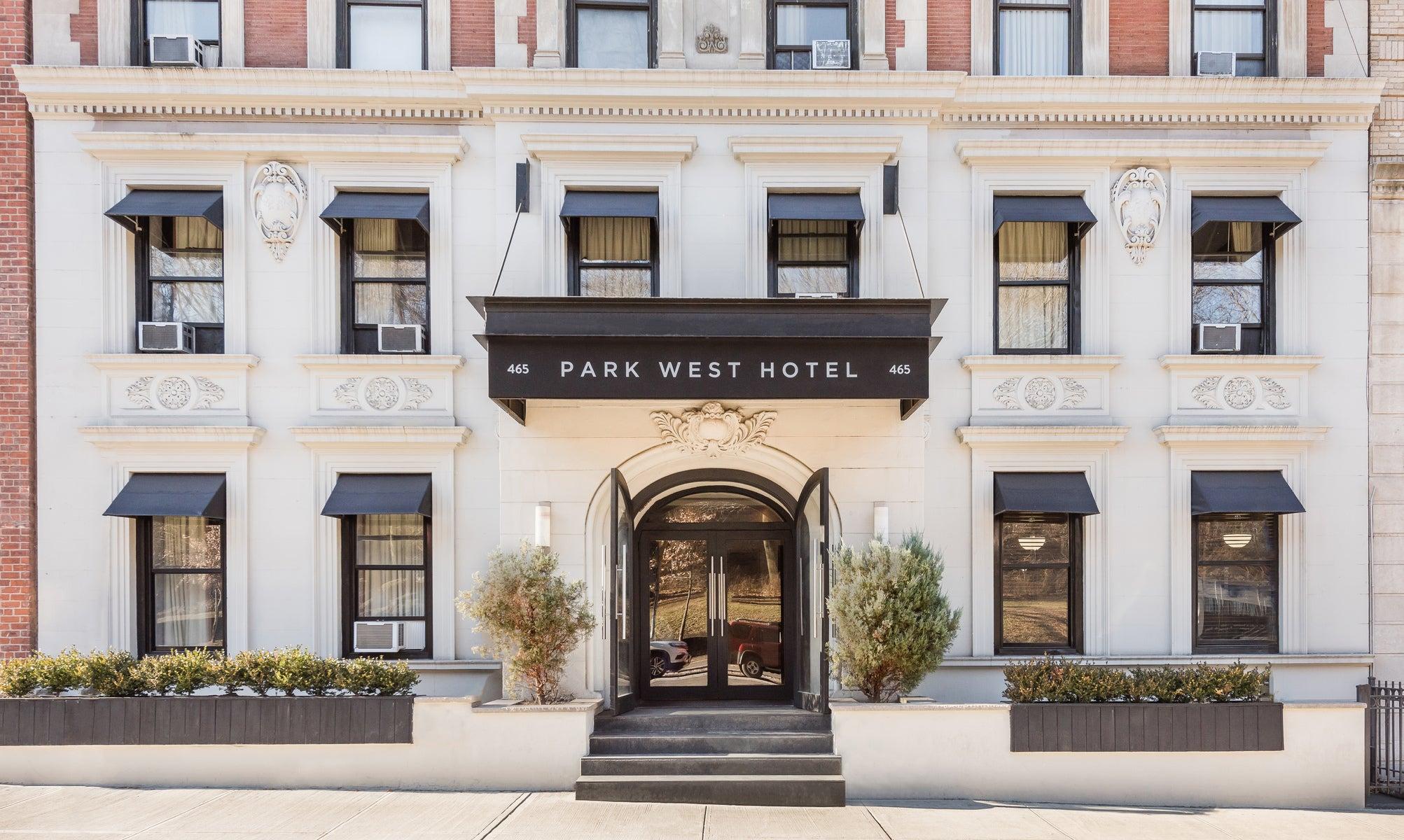 Park West Hotel
