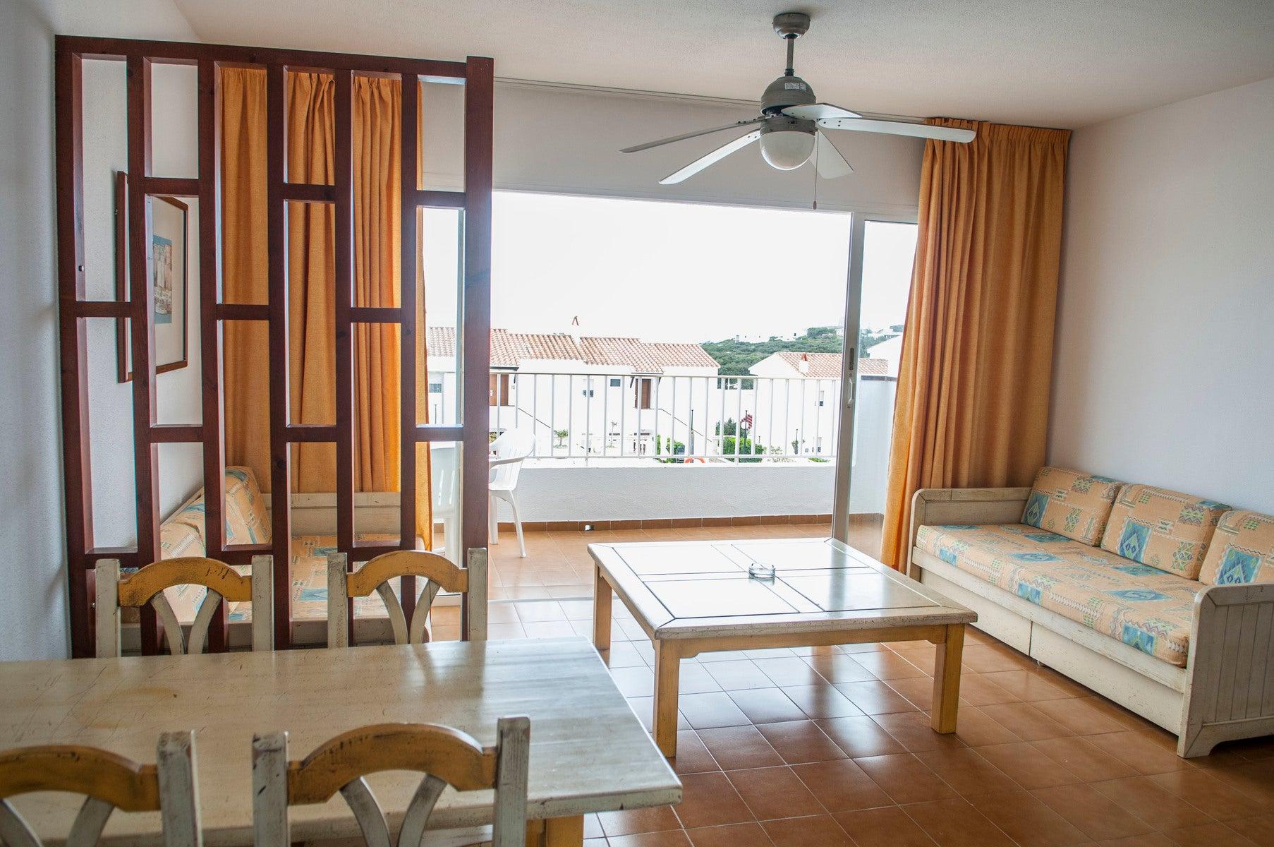 Los Naranjos Apartments