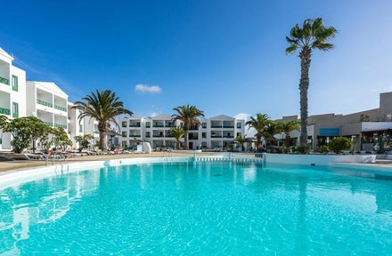 Luton Airport holidays to Lanzarote