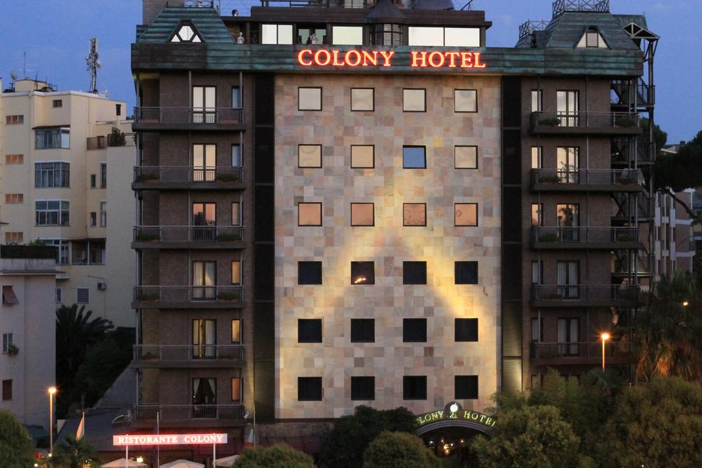Colony Hotel
