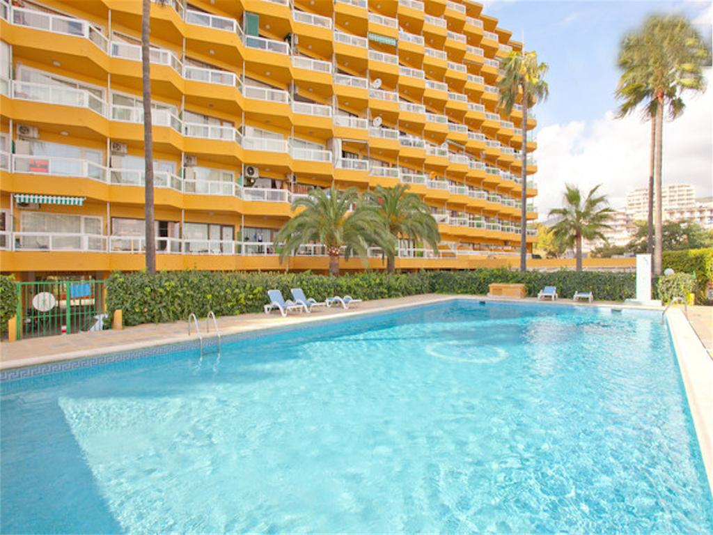 Las Palomas Apartments