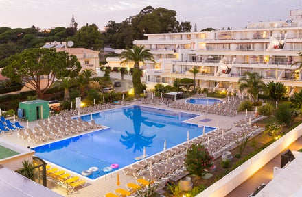 Cheap Full-Board holidays to the Algarve
