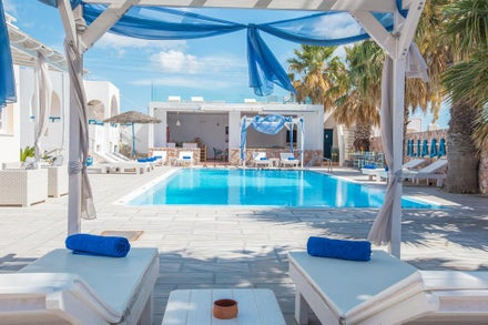 Luxury Honeymoon Holidays to Santorini