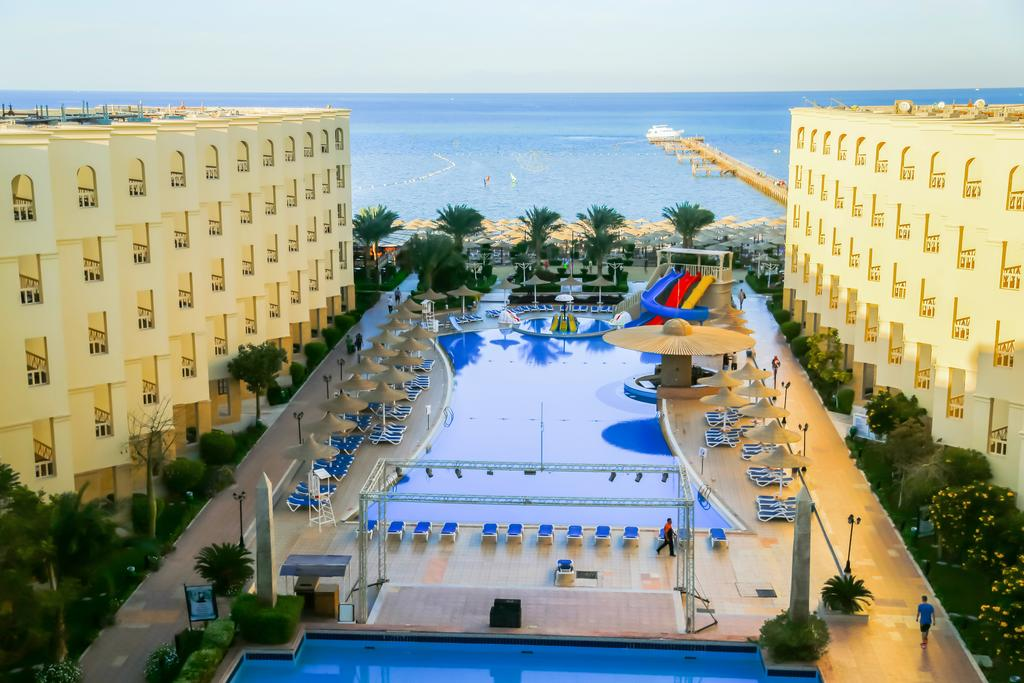 AMC Royal Hotel & SPA